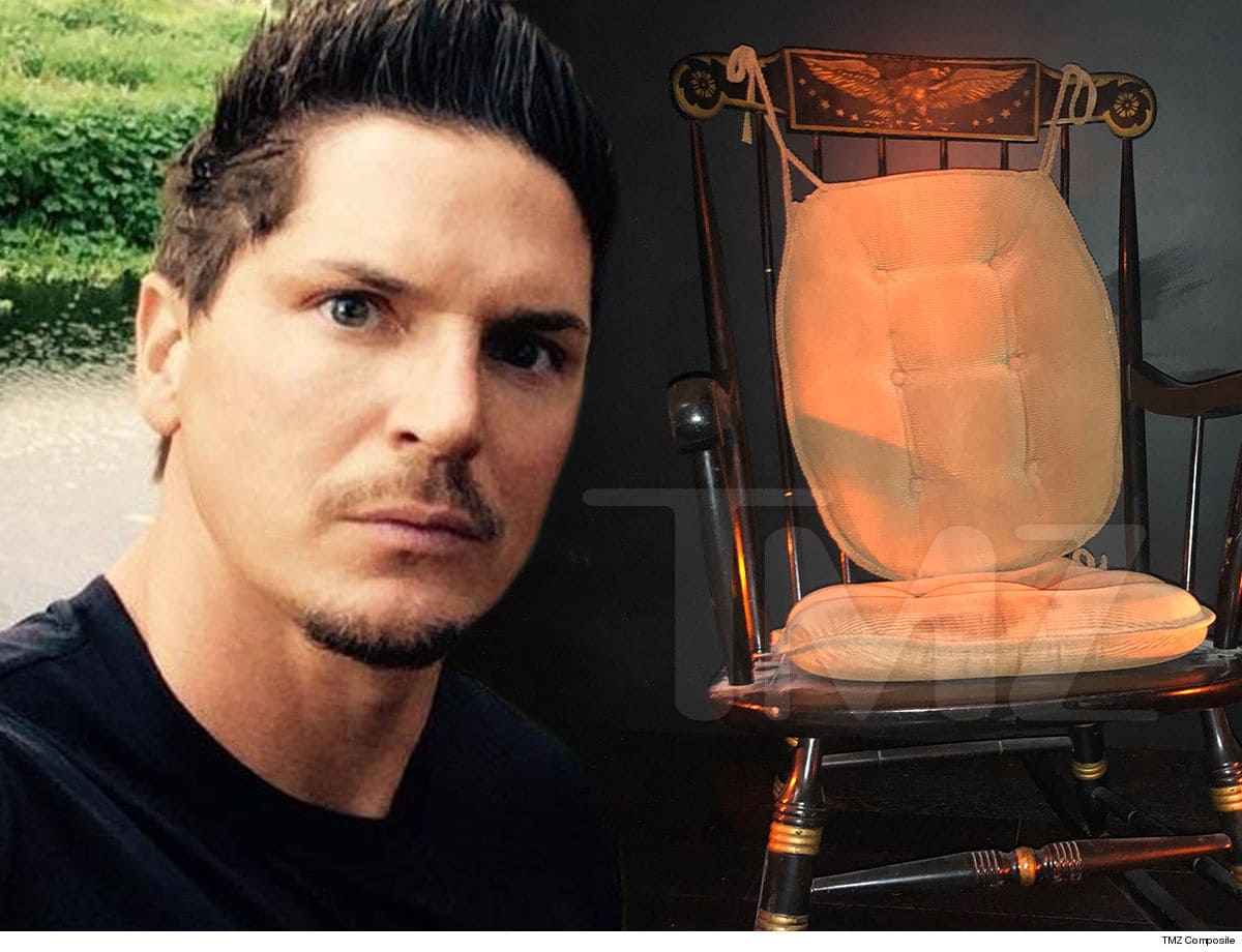 Zak Bagans Closes Haunted Rocking Chair Too Much Creepy